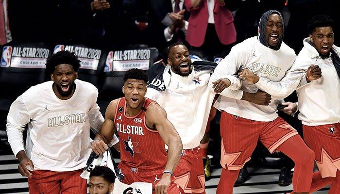 Les superstars Joel Embiid, Giannis Antetokounmpo, Kemba Walker, Bam Adebayo et Donovan Mitchell lors du All-Star Game NBA 2020