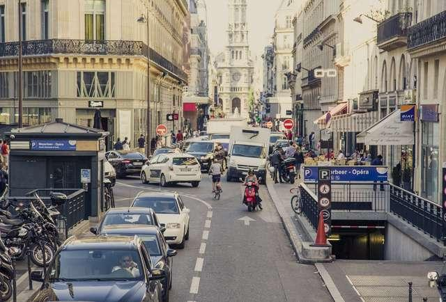 Google Map shows low emission zones in many European cities