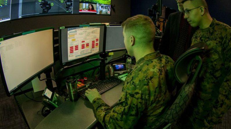 Des Marines du Cyberspace Command américain