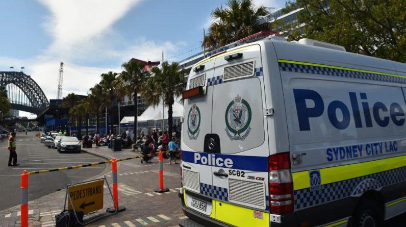 Police intervene in the church in violation of the lock