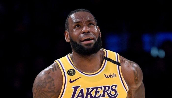 La superstar NBA des Los Angeles Lakers, LeBron James, effrayée devant « le joueur le plus terrifiant de la ligue »