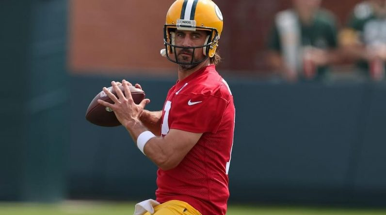 A relationship to improve Aaron Rodgers