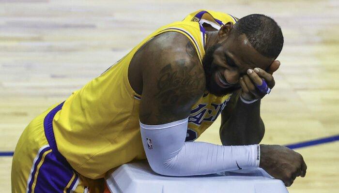 NBA LeBron se marre bien