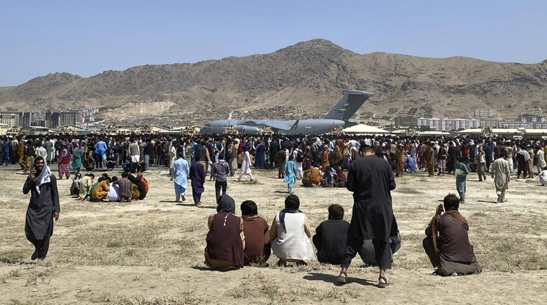 Canada suspends Afghanistan evacuation as deadline approaches