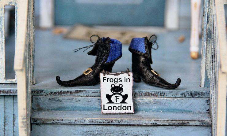 Chaussures de magicien dans des escaliers
