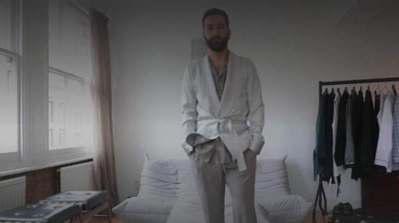 Pajamas are becoming more and more fashionable among tailors in London.