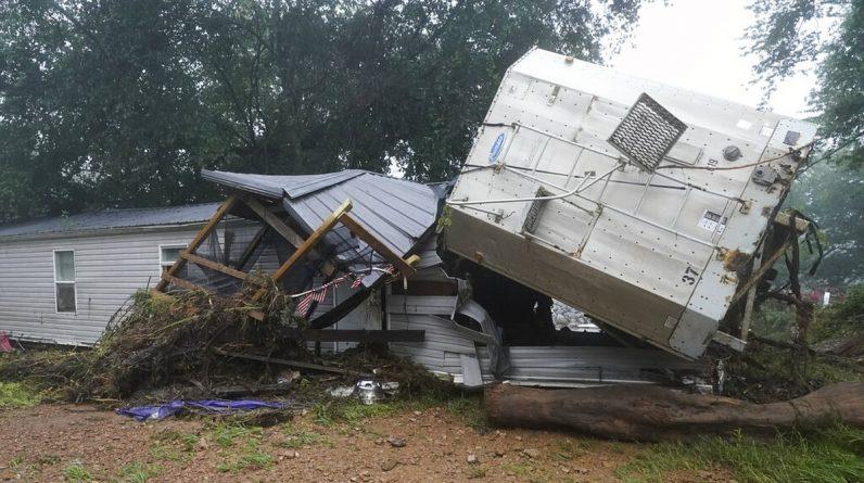 Tennessee floods kill 22 |  The world