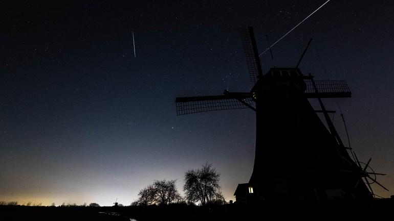 Boven onze provincie zijn vannacht vallende sterren te zien (Rechten: ANP/ Rob Engelaar)