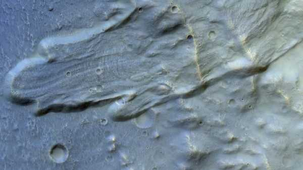 5 Km Long Landslide On Mars Captured By European Exo Mars Orbiter |  Is this the same problem on Mars as on Earth?  More damage at a distance of 5 km .. Viral photo released by NASA