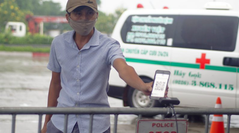 Hanoi police install cameras to scan motion notification codes on 23 doors