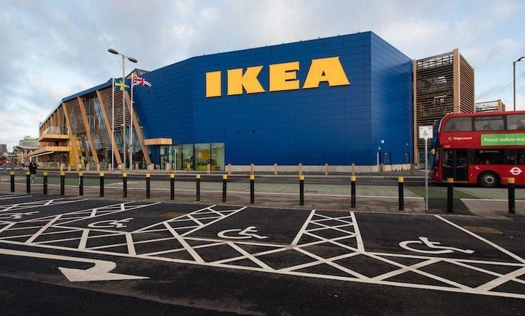 Devanture d'un magasin Ikea en Angleterre