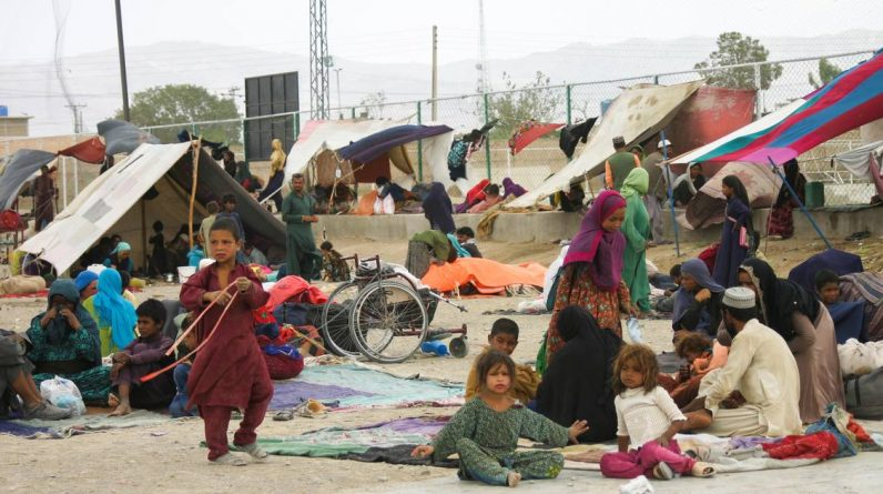 Pakistan closes major border crossing to prevent refugees from entering Afghanistan    Afghanistan in the hands of the Taliban