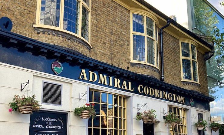 Le pub restaurant Admiral Codrington à Londres dans le quartier de Chelsea