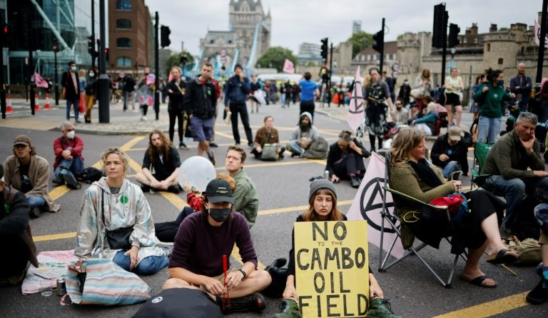 The famous Tower Bridge was blocked by environmental activists