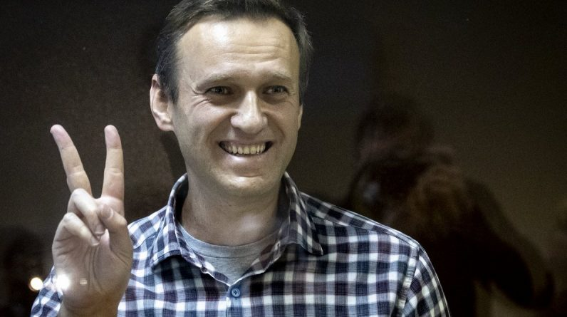 European Parliament presents Sakarov Prize for Captured Russian Opposition Leader Navalny / Article
