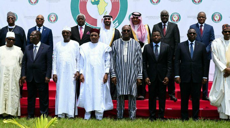 """In Mali, a representative of ECOWAS declared it a """"non-persona Grota"""""""