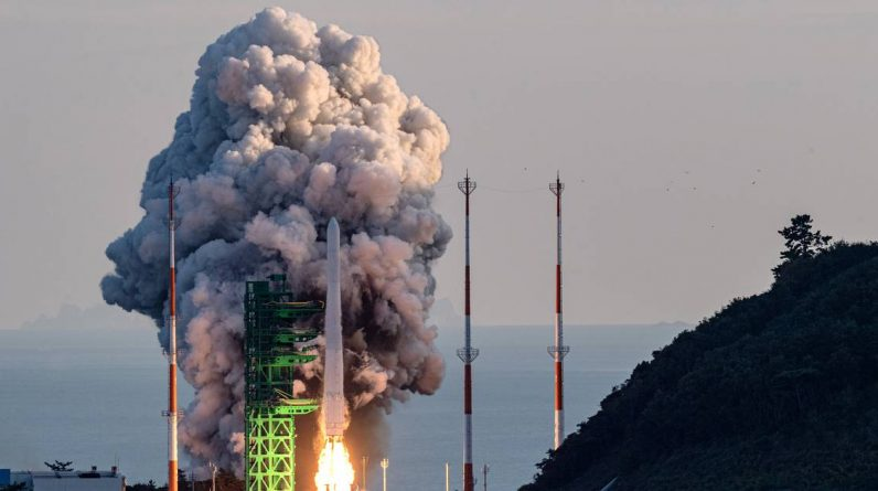 The launch of the first full-fledged South Korean launcher was only half successful science