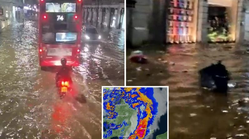 UK weather: Within an hour the city was flooded by an inch of rain that flooded the streets of London.